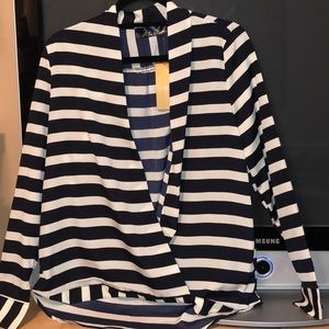 Francesca's Stripped dark navy / white strip